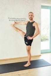 Dócs Tamás / Jógaoktató / Studio Yoga Secrets